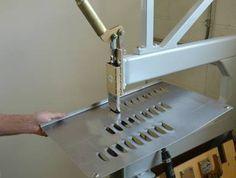 Louver Cutting Tool Sheet Metal Tools, Metal Bending Tools, Sheet Metal Work, Metal Working Tools, Metal Projects, Welding Projects, Metal Crafts, Homemade Tools, Diy Tools