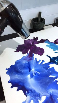 How To: Melted Crayon Art www.madeit.com.au