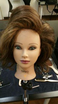 Cuella de vil hair style