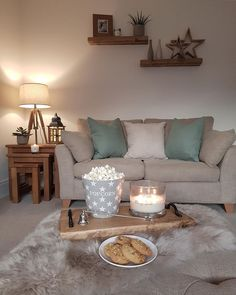So mission build the garden pergola was an epic fail today so this is just what I needed this evening! Interior Design Living Room Warm, Living Room Designs, New Living Room, Home And Living, Snug Room, Style At Home, Home Fashion, Apartment Living, Shabby