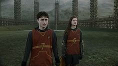 Harry Potter/Daniel Radcliffe and Ginny Weasley/Bonnie Wright Harry Et Ginny, Gina Harry Potter, Harry Potter Ginny Weasley, Gina Weasley, Harry Potter Pictures, Harry Potter Facts, Harry Potter Fandom, Harry Potter Characters, Harry Potter Quidditch