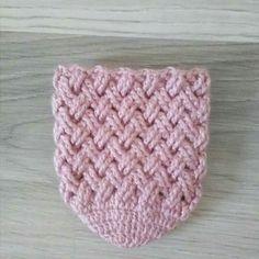 Crochet Boot Cuffs, Crochet Boots, Crochet Slippers, Diy Crafts Crochet, Beaded Crafts, Baby Knitting Patterns, Crochet Patterns, Knit Shoes, Crochet Circles
