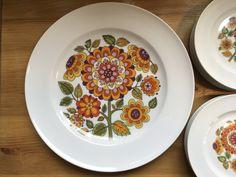 Seventies servies, vintage plates, ceramics, flower power