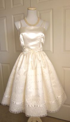 I should've been born in the 50's!!  Beautiful 1960s  Vintage Style Wedding Dress by TenderLane on Etsy, $350.00