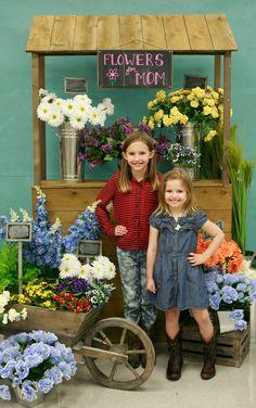 Ben Franklin Crafts and Frame Shop: Bonney Lake Flower Stand Photo Sessions