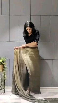 Moda Indiana, Daily Yoga, Indian Outfits, Indian Clothes, Fashion Sewing, Yoga Fitness, Ready To Wear, Female, Celebrities