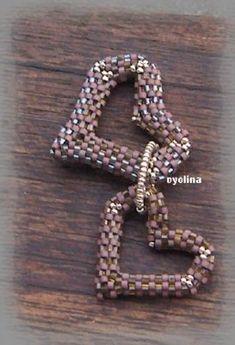 Peyote heart (pattern on website)