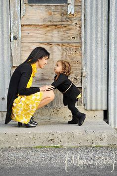 Lean in to each other. | 31 Impossibly Sweet Mother-Daughter Photo Ideas