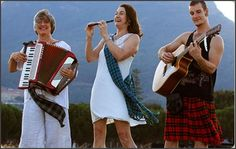Christine and her band stand out for their authentic renditions of traditional classics, as well as inspired performances with a unique and vibrant twist. And that earns her a 5 star review from Celtic Radio!