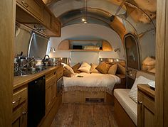 Nice and Cozy RV- I could totally live in one of these  travel the country for a few years!!  Road Trip!!!!
