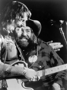 Waylon Jennings April 2017 at · To A Highwayman, An Outlaw and A Friend : Happy Birthday Willie Nelson ! Country Musicians, Country Artists, Country Singers, Western Artists, Outlaw Country, Country Men, Shooter Jennings, Waylon Jennings, Star Pictures
