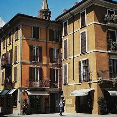 Reposting @zepphyr1: 🏠#lecco #italy #travel #travelblog