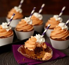 These Pumpkin Spice Late cupcakes from @Wilton Cake Decorating Cake Decorating look so delicious!  Perfect treat for a Halloween party!