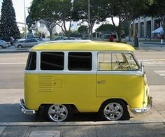 This is a short bus I'd happily ride in to skool!!  droopsjoint.com