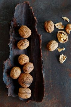 Walnuts are the perfect brain food. They're packed with serotonin which helps pr. - Walnuts are the perfect brain food. They're packed with serotonin which helps promote serenity an - Fruit And Veg, Fruits And Veggies, Food Photography Styling, Food Styling, Life Photography, Food Design, Brain Food, Snacks, Food Art