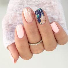 Jamberry manicure using Ballet Slipper Colour Cure, Sea Meets Shore Colour Cure and Dazzle the World wrap. @jammin_beauty #balletslipperjn #seameetsshorejn #dazzletheworldjn #colourcure #nailart