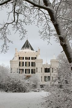 Castle Sandenburg in the winter.  Nederlangbroek, Utrecht, NL