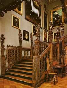 The Main Staircase - Hatfield House - Hertfordshire - Elizabeth was sent to live at Hatfield when she was only three months old. It was the little princess's own private household managed by a staff of nurses, courtiers and tutors. Her now illegitimate half-sister, Lady Mary, was sent to wait on her. Queen Anne Boleyn visited her daughter at Hatfield on a few occasions.
