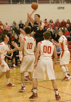 PHOTOS: Warrensburg-Latham vs. Meridian boys basketball : Gallery