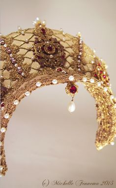 Athena--light gold faille, gold-toned trim and cord, cream freshwater pearls in various shapes and size, swarovski rhinestones and crystals, metal findi. Headdress, Headpiece, Tudor Costumes, Head Crown, Medieval Belt, Costume Hats, Tiaras And Crowns, Historical Clothing, Beaded Embroidery