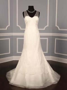 Justina McCaffrey Kelly 1107 wedding dress is on Sale! http://www.yourdreamdress.com/justina-mccaffrey-1107-kelly-couture-bridal-gown-designer-discount-wedding-dresses.html
