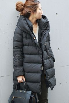 Rug over this cold look with collection of females' outfit - is comprised of elegant snow coats, the company, cosy scarves plus much more. Casual Skirt Outfits, Cool Outfits, Bohemian Style Clothing, Winter Outfits Women, Down Coat, Sweater Coats, Streetwear Fashion, Winter Coat, Winter Fashion