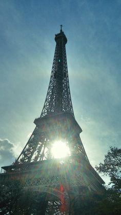 Der #Eiffelturm hat die #Sonne eingefangen! #FTsnap #Paris