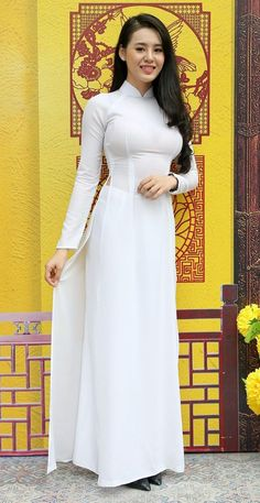 Long Dress Fashion, Sexy Long Dress, Beautiful Muslim Women, Beautiful Indian Actress, Gorgeous Women, Vietnamese Dress, Musa, Female Photographers, Cute Asian Girls