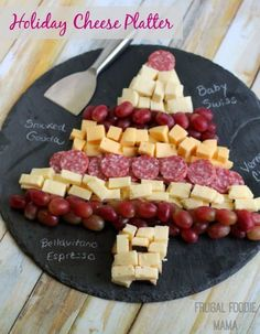 christmas snacks How to Create a Holiday Cheese Platter + tips and ideas for hosting a budget friendly wine tasting party Christmas Party Food, Xmas Food, Christmas Cooking, Christmas Cheese, Holiday Dinner, Christmas Party Appetizers, Finger Foods For Christmas, Christmas Fruit Ideas, Healthy Christmas Treats