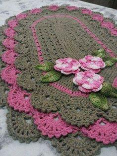 Crochet flowers pattern for hat granny squares 26 New ideas Crochet Kitchen, Crochet Home, Love Crochet, Vintage Crochet, Crochet Crafts, Crochet Projects, Freeform Crochet, Thread Crochet, Crochet Doilies