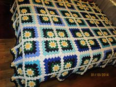 Daisy Mitered Granny Square Afghan