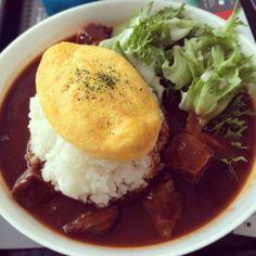 Omelet rice!!! #curry #カレーライス #카레라이스 #dessert #rollcake #morning #brunch #lunch #delicious #instafood #Japan #Tokyo #food #Japanese #yummy #dish #美味しい #お台場 #東京 #먹스타그램 #일본 #동경 #도쿄 #오다이바 #맛집 #여행 #travel #롤케이크 #ロールケーキ #도지마롤 #デザート #omelet #オムライス #오므라이스