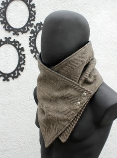 Black and brown herringbone wool with metalic snaps.Husband,gift for men,women,autumn - Product Inspiration - Mode Creative Gifts For Boyfriend, Boyfriend Gifts, Girlfriend Gift, Gifts For Brother, Gifts For Friends, Herren Winter, Mens Winter, Selling Handmade Items, Chunky Scarves