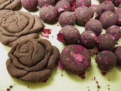 rose mixing incense Water Flowers, Incense, Cookies, Chocolate, Rose, Natural, Desserts, Handmade, Crack Crackers