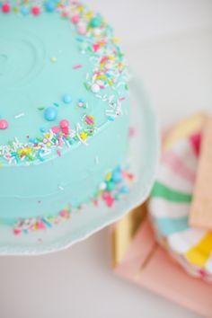 Make a sprinkle cake
