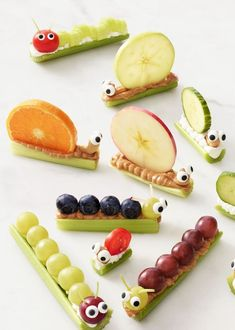 These healthy after school snack ideas for kids are SO creative! I love how quick & easy the recipes are and they are super healthy snack! Caterpillar Recipe, Cute Food, Good Food, Baby Food Recipes, Snack Recipes, Food Baby, Breakfast Recipes, Gourmet Recipes, Cake Recipes