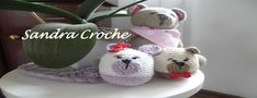 SANDRA CROCHE: Tapete de croche Bunny Blanket, Crochet Bedspread, Crochet Home, Crystals And Gemstones, Crochet Stitches, Shawl, Butterfly, Mesa Oval, Projects