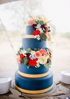 Navy Wedding Cake Navy Wedding Cake Navy wedding cake with gold trim and sugar flowers (roses, chrysanthemums, ranunculus, succulents, freesia, and... #coral #pink #wedding #cakecentral #Jackie