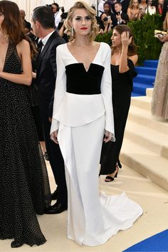 Allison Williams in Diane von Furstenberg Met Gala May 1 2017