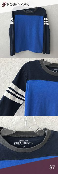 Crewcuts Boys Varsity Stripe Long Sleeve Tee Sz 10 Crewcuts boys varsity stripe long sleeve T-shirt. This is in good gently worn condition with no holes or stains, it shows more wear than my other listings so pricing it lower. Size is 10. I will be adding much more Boys and Teen clothing to my closet! Thanks for stopping by! ☺️🤗 Crewcuts Shirts & Tops Tees - Long Sleeve