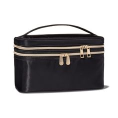 This spacious bag holds your makeup and your brushes too! The large main compartment is roomy enough for your favorite beauty essentials including full sized bottles. Makeup Train Case, Makeup Case, Perfectly Posh, Beauty Essentials, Makeup Bags Target, Dublin, Manhattan, Euro, Black Makeup Bag