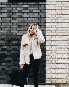 ☆ corinne ☆ ig: corinnelandrumm Outfits Otoño, Fashion Outfits, Womens Fashion, Fashion Trends, Cozy Outfits, School Outfits, Fall Winter Outfits, Autumn Winter Fashion, Winter Clothes