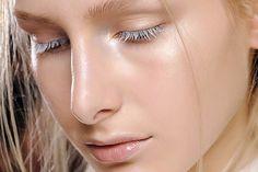Le strobing : la tendance maquillage à l'inverse du contouring