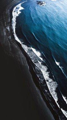 samsung wallpaper Hintergrundbild tapete Black and blues 502081058460318139 Handy Wallpaper, Ocean Wallpaper, Apple Wallpaper, Aesthetic Iphone Wallpaper, Of Wallpaper, Nature Wallpaper, Mobile Wallpaper, Aesthetic Wallpapers, Aerial Photography