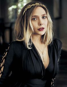 (FC: Elizabeth Olsen) Hi I'm Lizzie and I'm 20. I am single and I'm very silly plus I love music,drawing,singing,and dancing. Intro?