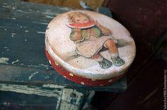 Купить или заказать 'Лёля' бонбоньерка для леденцов в интернет-магазине на Ярмарке Мастеров. Чудесная бонбоньерка для сладостей 'Лёля' вместит самые любимые сладости и леденцы. Эту круглую шкатулочку можно использовать как украшение интерьера детской или прикроватного столика. Все материалы, использованные в работе на водной основе,они безопасны для…