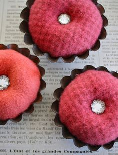 Pin cushion from a mini tart pan.   Tutorial from One Lucky Day
