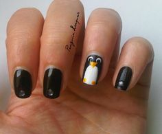 Penguin Nails: http://penguinlacquer.blogspot.de/2014/07/mop-mop.html #penguin #nailart