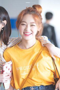 Kpop Girl Groups, Kpop Girls, Korean Celebrities, Celebs, Round Haircut, Korean Girl, Asian Girl, Kim Sejeong, Fandom