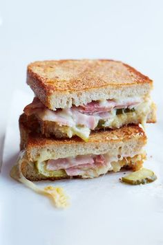 The craziest, yummiest grilled cheese recipes ever!